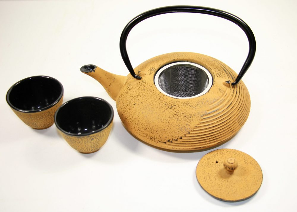 Chinese Cast Iron Designer Hand Made Yellow Tea Pot(1000ml) & Steel Infuser with Two Matching Cups(100ml), Handmade